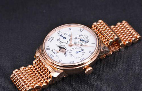 卖二手手表,深圳哪里能回收宝珀经典系列红金表链万年历表