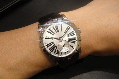 罗杰杜彼手表大多数多少钱才可以回收?EXCALIBUR(王者系列)系列RDDBEX0460腕表